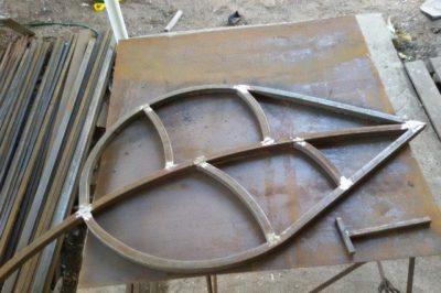 Как согнуть металлическую трубу