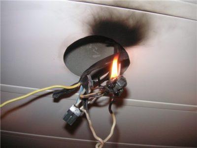 Как соединить провода через клеммник