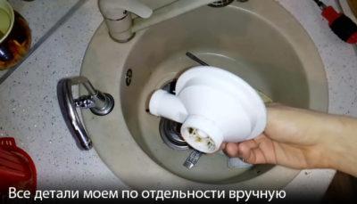 Как убрать известковый налет с мойки из нержавейки